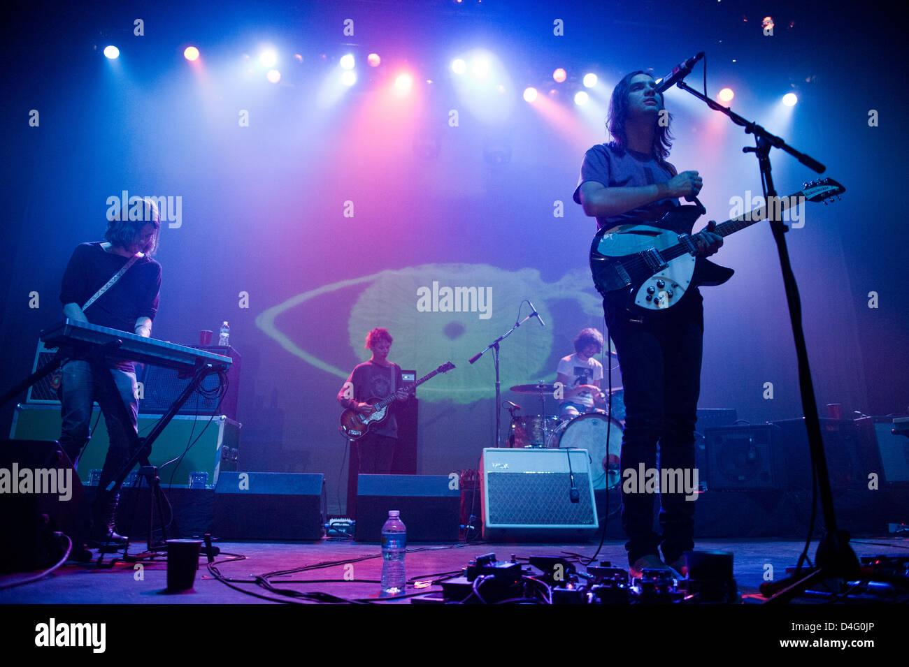 Tame Impala erklingt am 6. März 2013 in The Vic Theatre in Chicago. Bildnachweis: Max Herman / Stereogum.com Stockbild