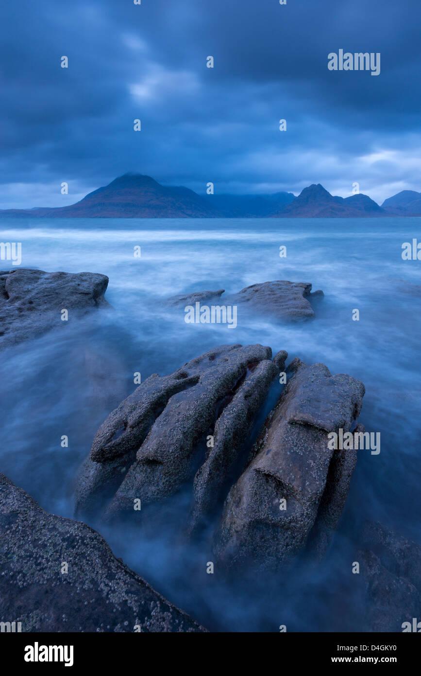 Die Cuillin Berge von den Ufern des Elgol, Isle Of Skye, Schottland. Winter (November) 2012. Stockbild