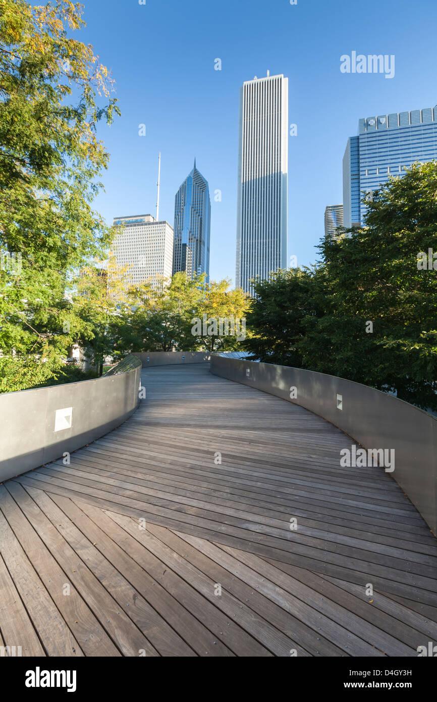 Die BP-Fußgängerbrücke entworfen von Frank Gehry, Grant Park, Chicago, Illinois, USA Stockbild