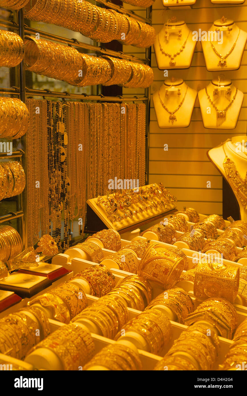 Gold in der Gold Souk, Dubai, Vereinigte Arabische Emirate, Naher Osten Stockbild