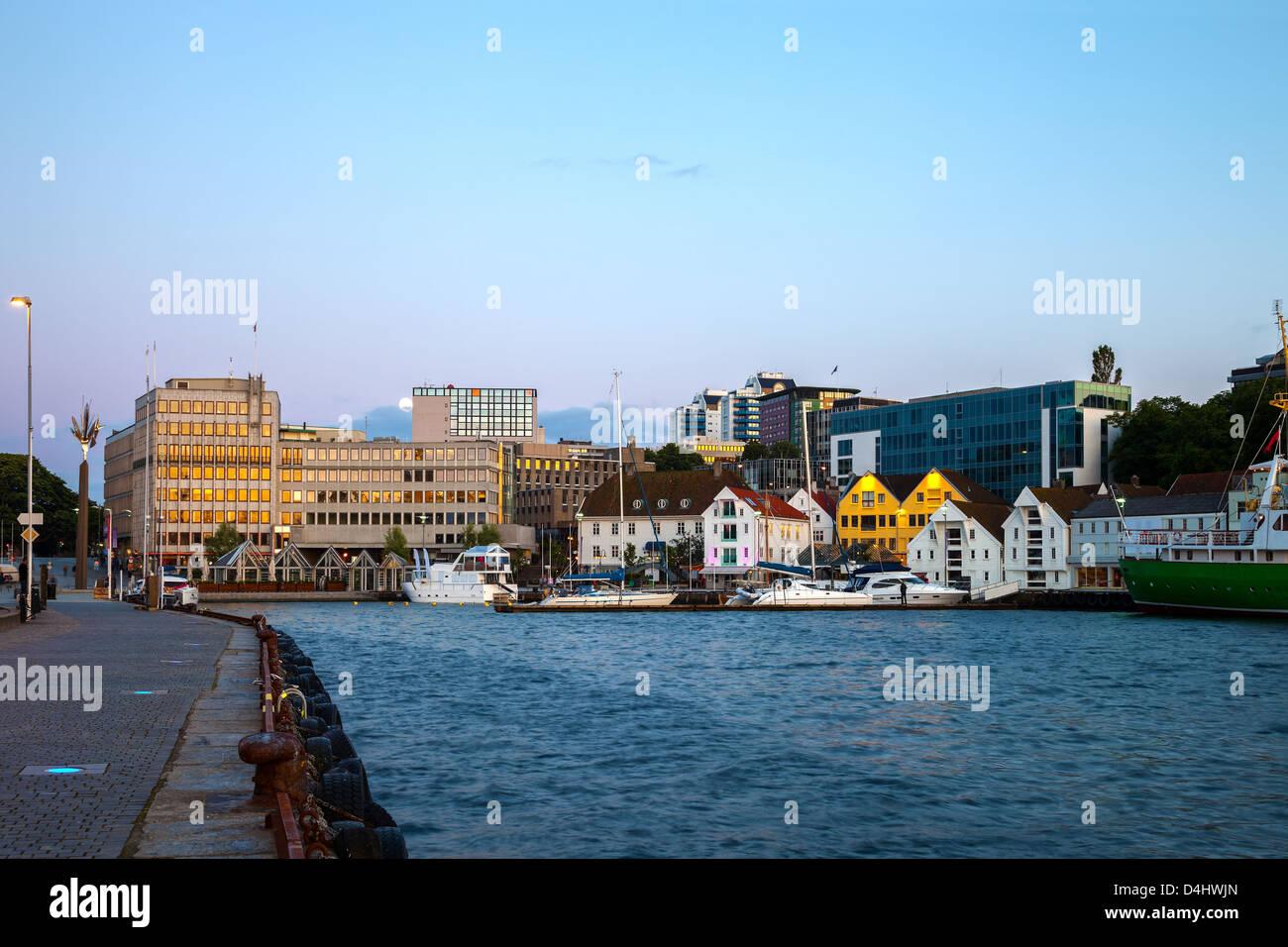Zentrum von Stavanger am Abend, Norwegen. Stockfoto