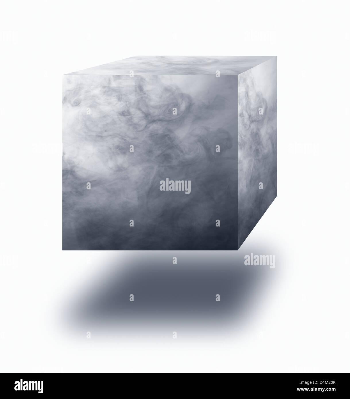 Wasserdampf in der Luft schwebender Würfel auf weißem Hintergrund Stockbild