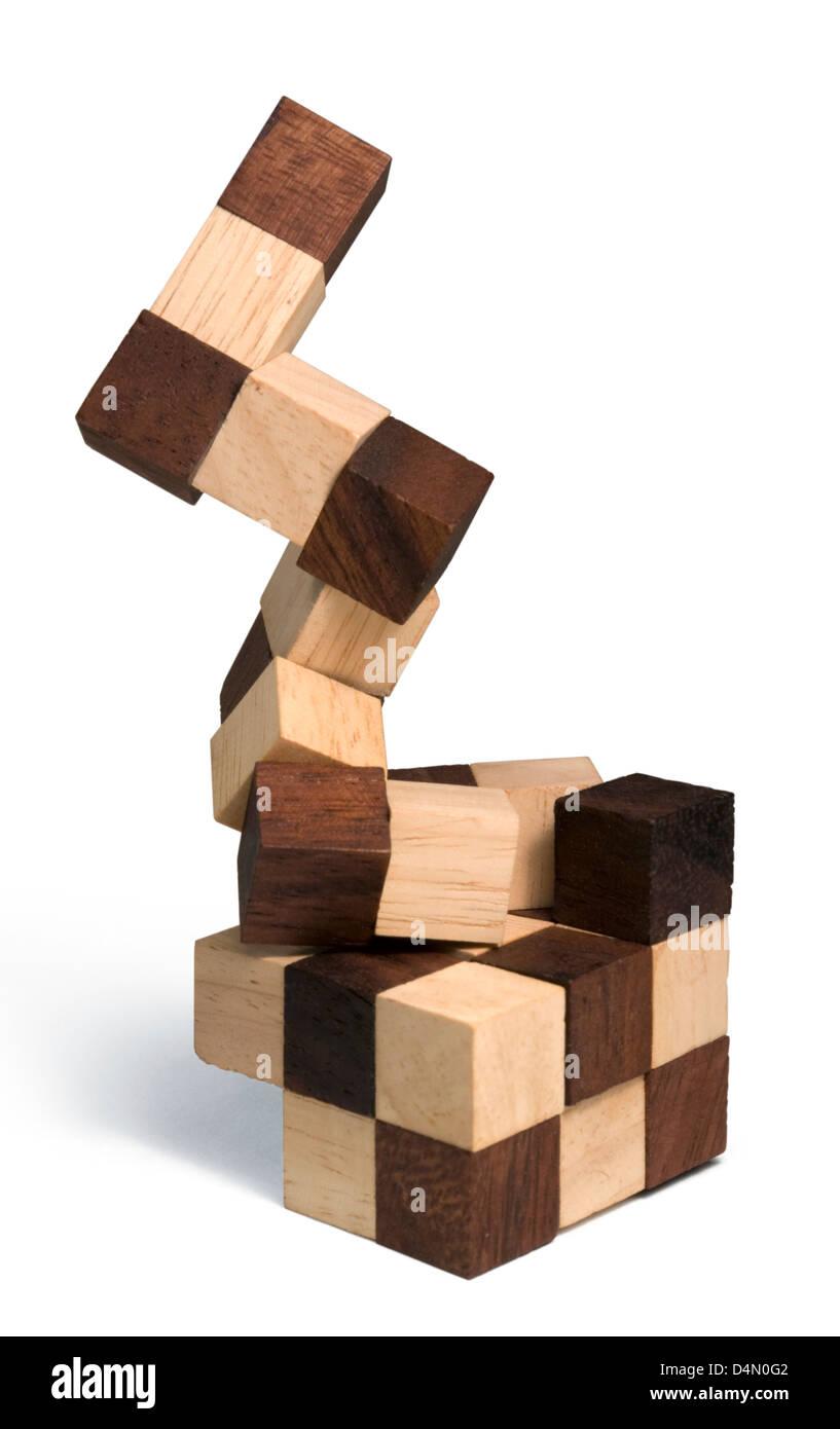 Studio-Fotografie von 3D Holzpuzzle in weißem Rücken Stockfoto