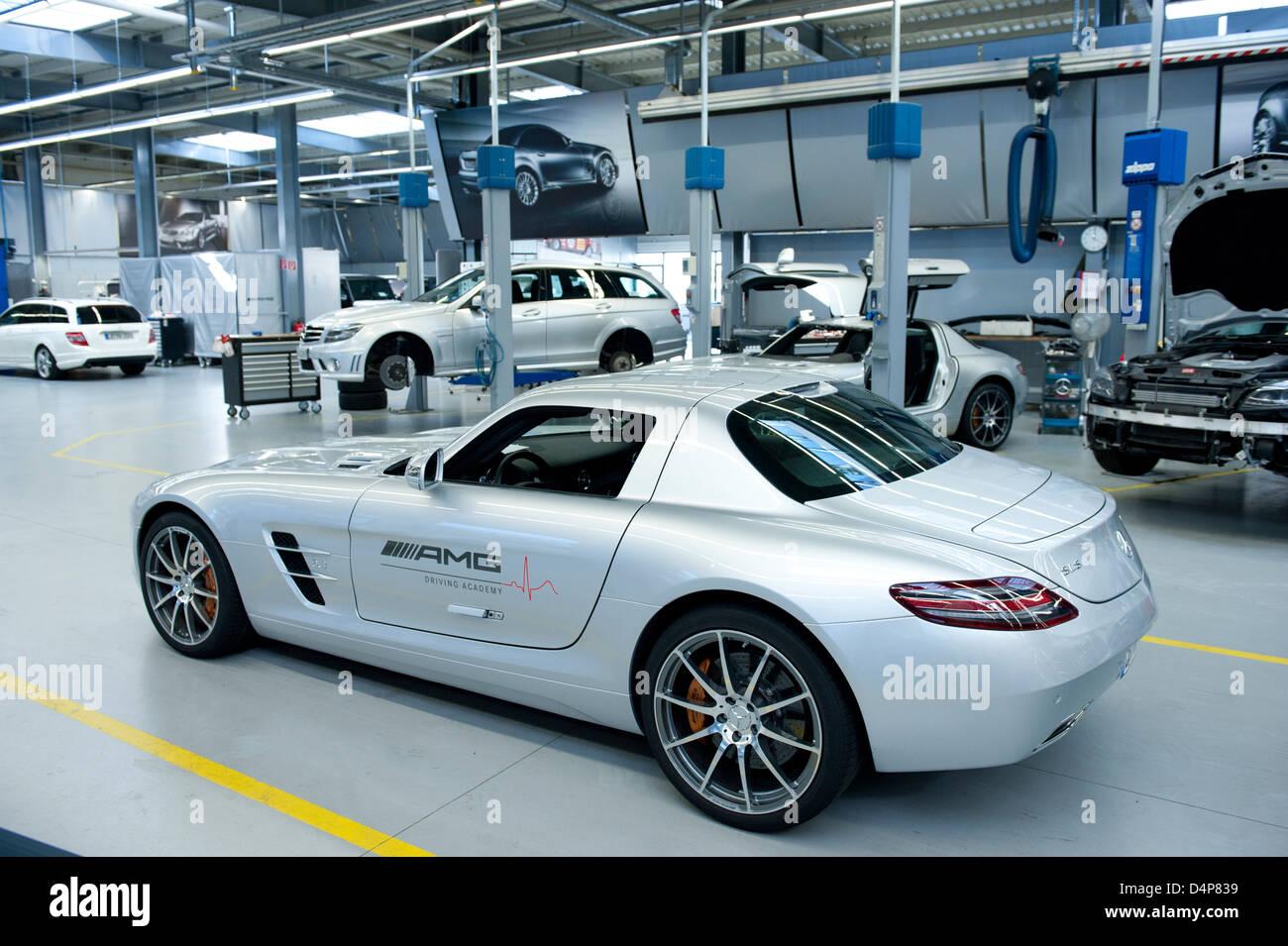 Affalterbach deutschland mercedes amg workshop stockfoto for Mercedes benz germany internship