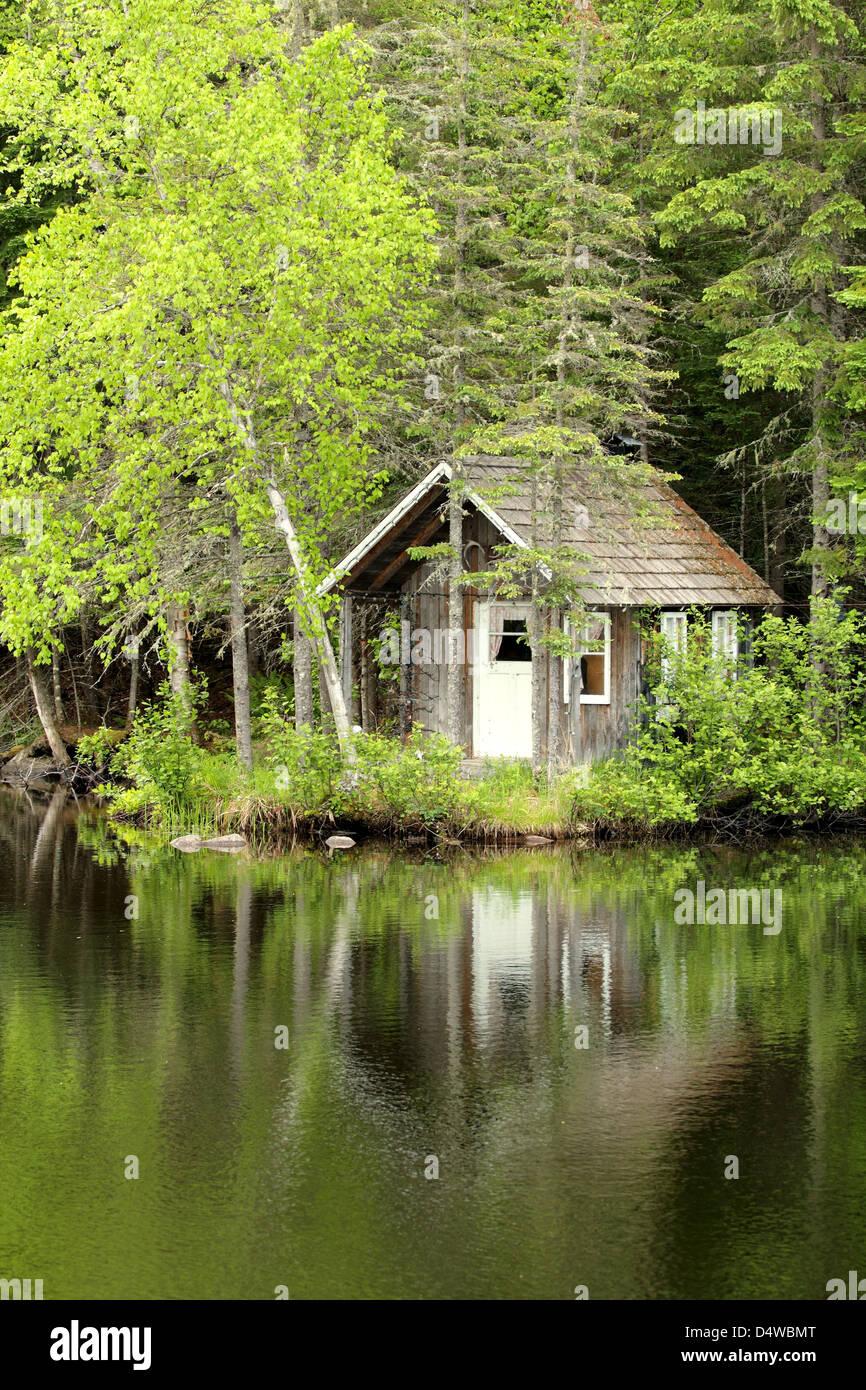 kleines Haus am See Stockfoto, Bild: 54647736 - Alamy