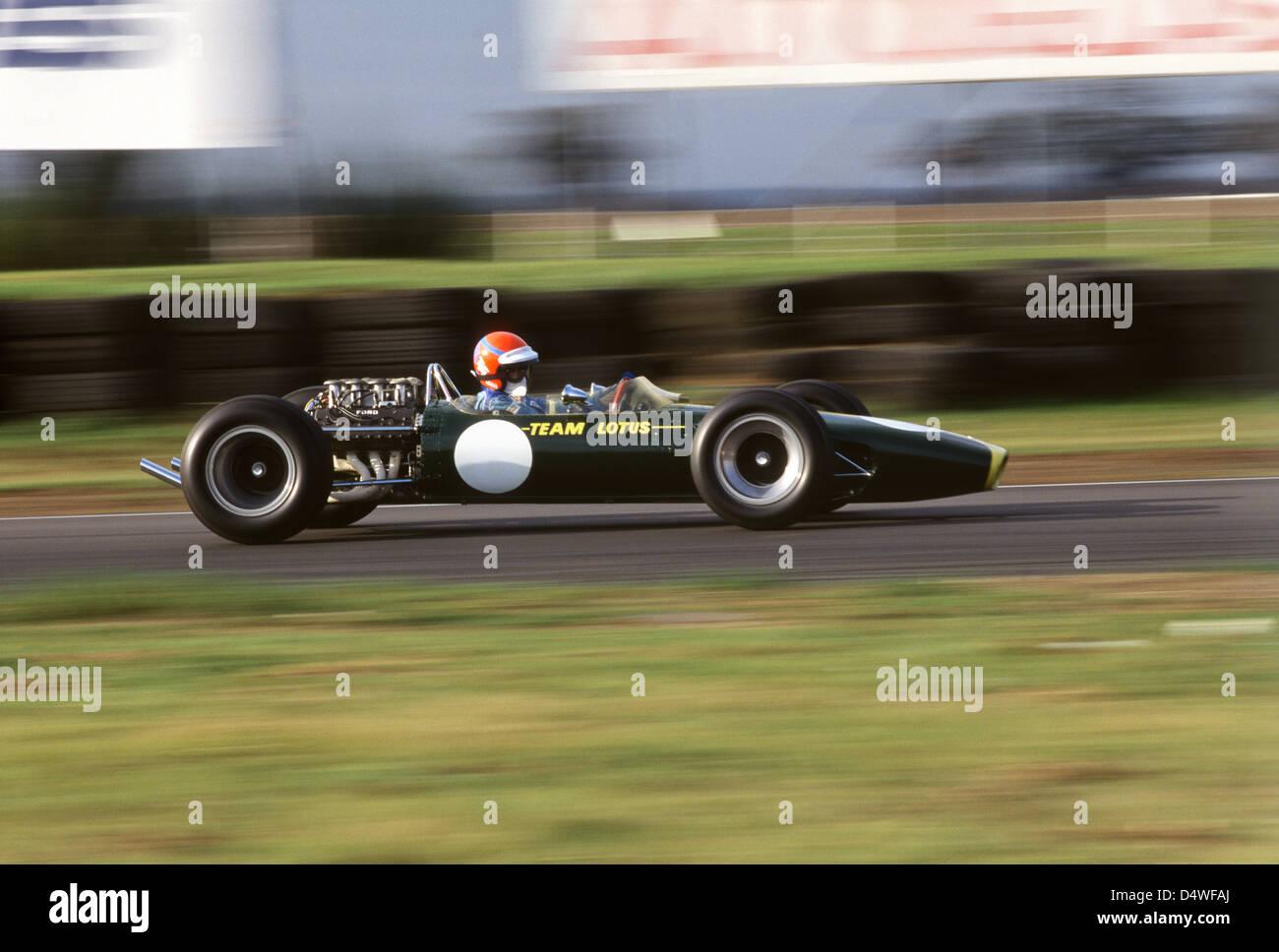 Graham Hill Lotus 49, Tiff Needell in Snetterton angetrieben Stockbild