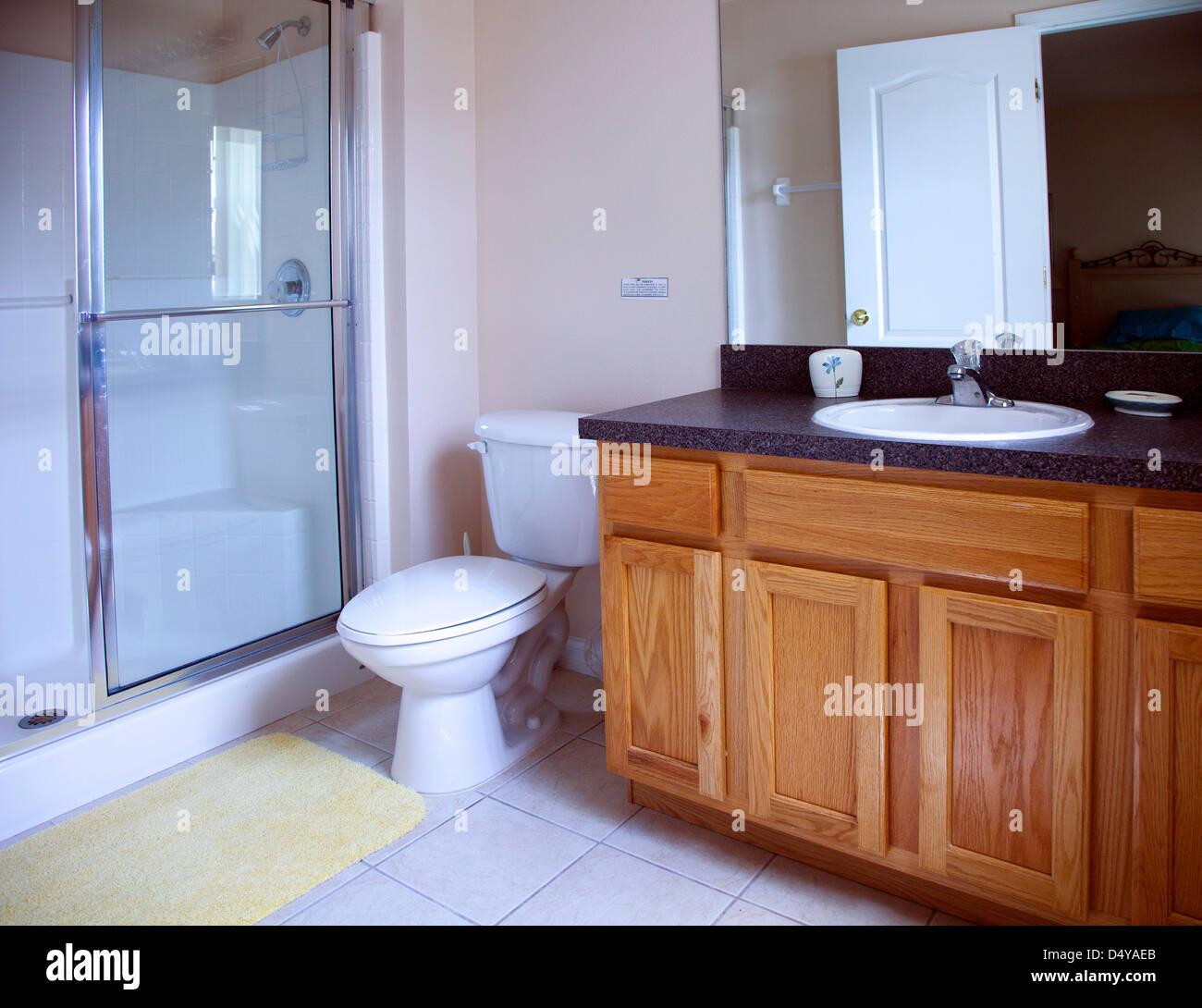 Moderne Amerikanische Badezimmer, Es Ist Das Bad Zum Zweiten Schlafzimmer  Meine Ferienvilla In Florida