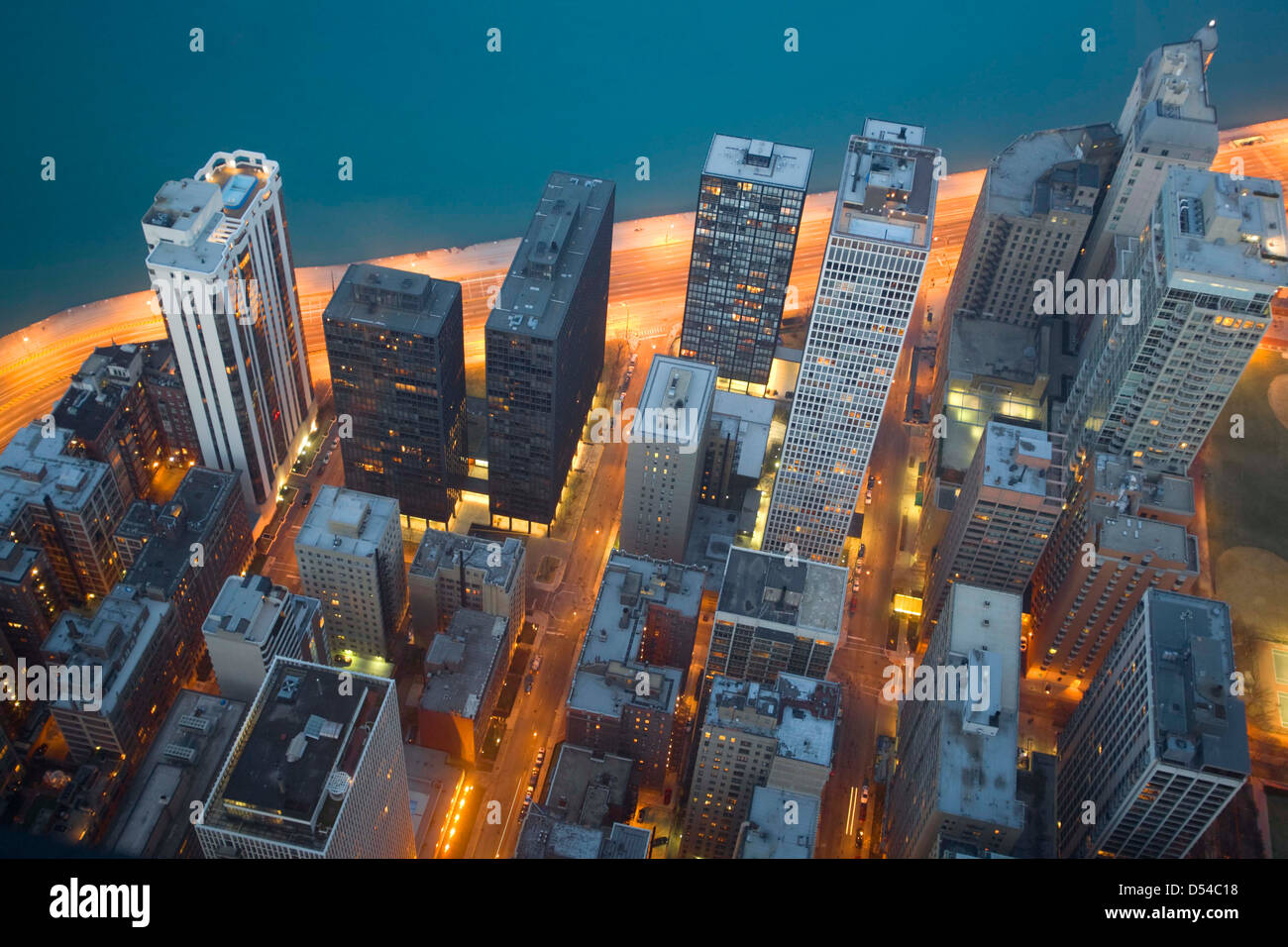 Chicago und Lake Michigan aus dem 94. Stockwerk des John Hancock Building, Chicago, Illinois Stockbild