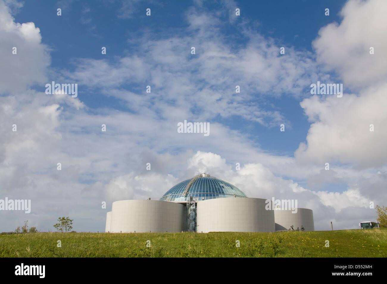 Island Reykjavik Warmwasser Speicher Tank Wahrzeichen die Perle Stockfoto