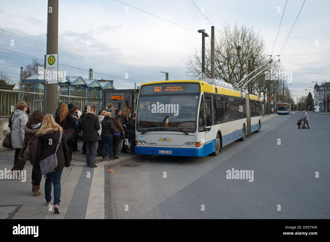 bus stop german germany stockfotos bus stop german germany bilder alamy. Black Bedroom Furniture Sets. Home Design Ideas