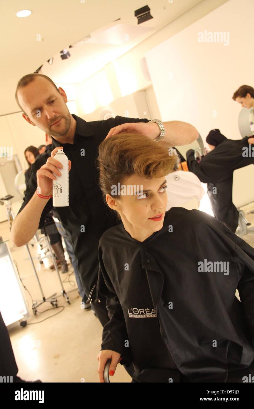 Saint Lu ist ein Haarschnitt Bela Fahrenwald im Rahmen der Kampagne ...