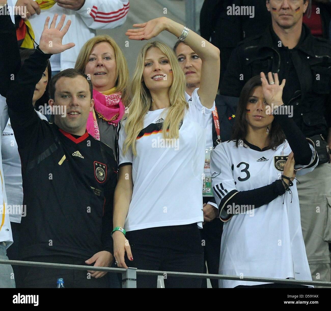Daniela Loew 2 L Die Ehefrau Des Deutschen Headcoach Joachim Loew