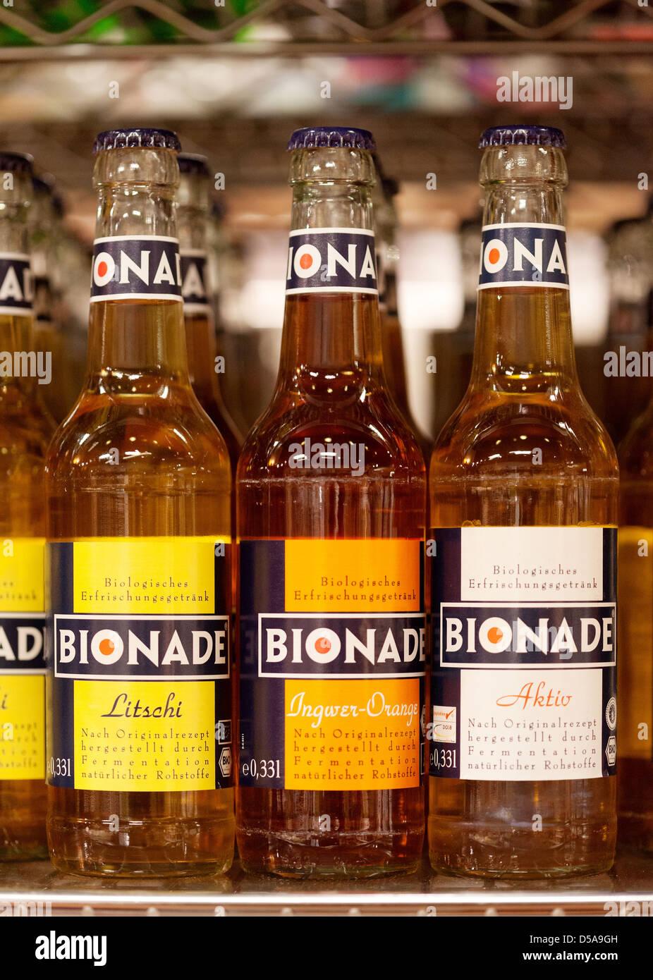 Berlin, Deutschland, alkoholfreie Getränke in der Bio-Supermarkt ...