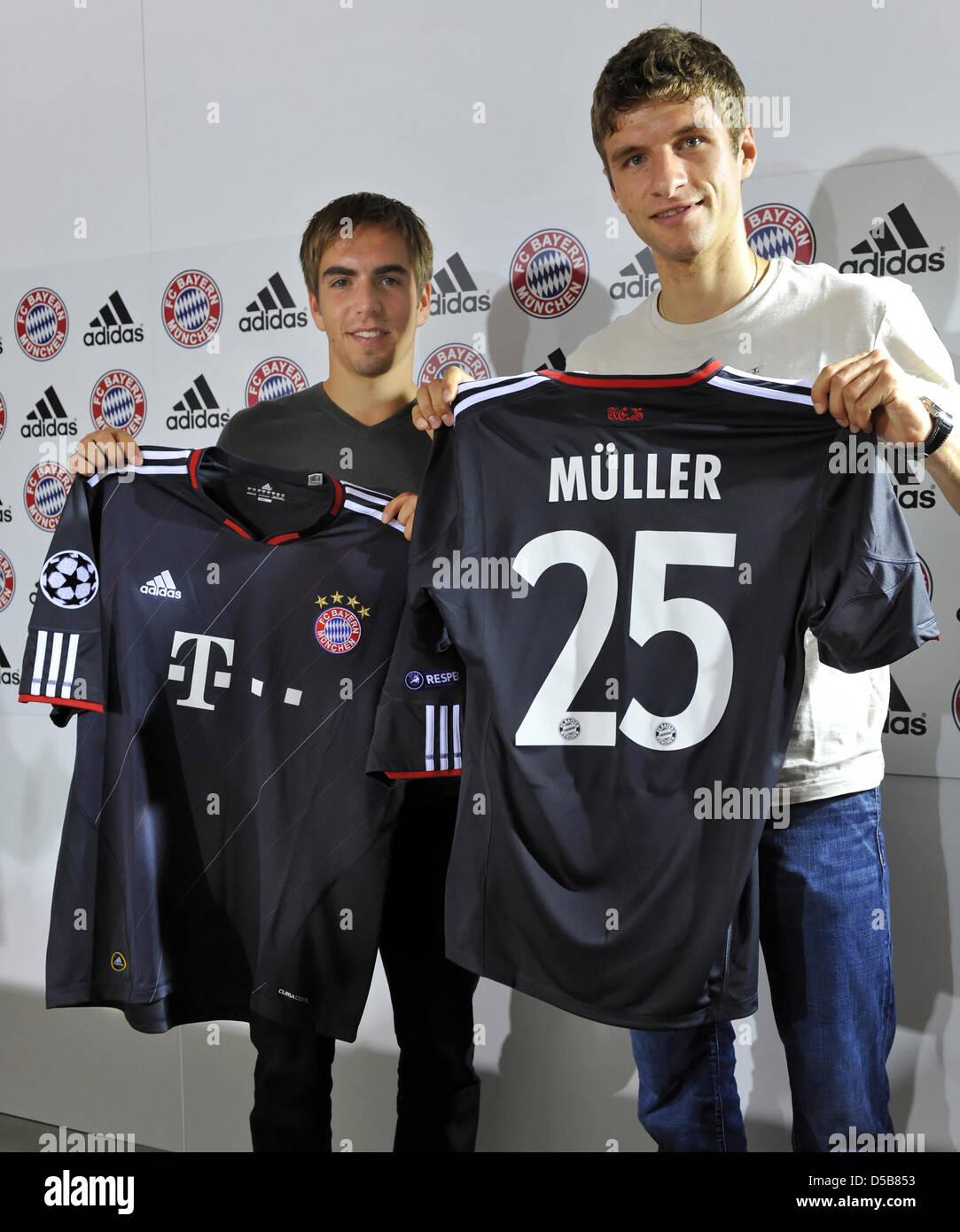 Philipp Lahm (L) und Thomas Mueller (R), Spieler der deutschen ...