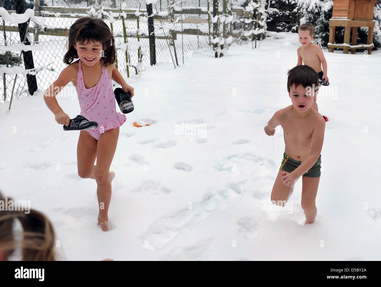 Auf Der Wellness Tag Das Laufen Im Schnee Nach Einem Besuch In Der