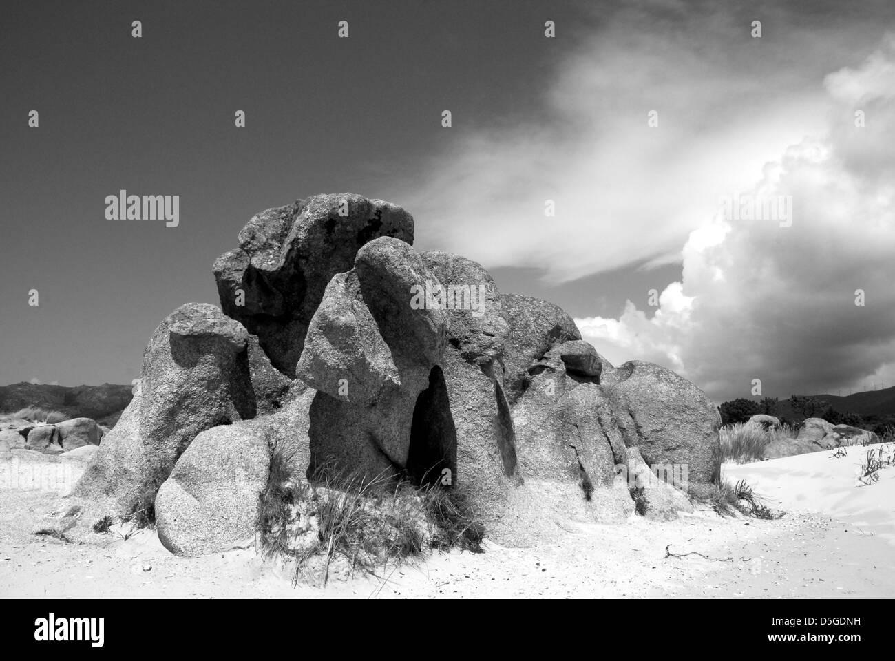 Felsen am Strand von Galizisch Stockbild