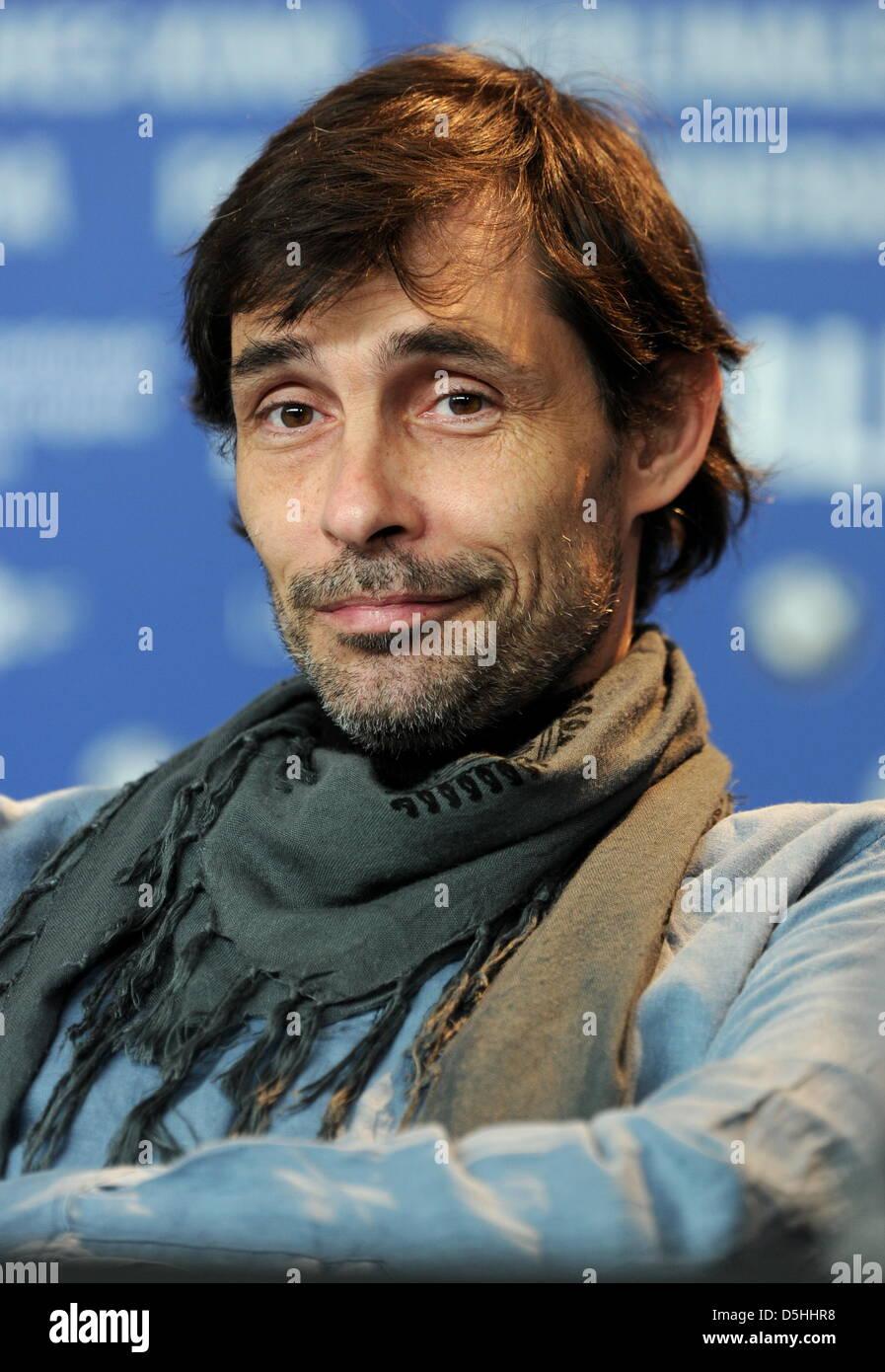 Türkische Schauspieler Erdal Besikcioglu Besucht Die Pressekonferenz