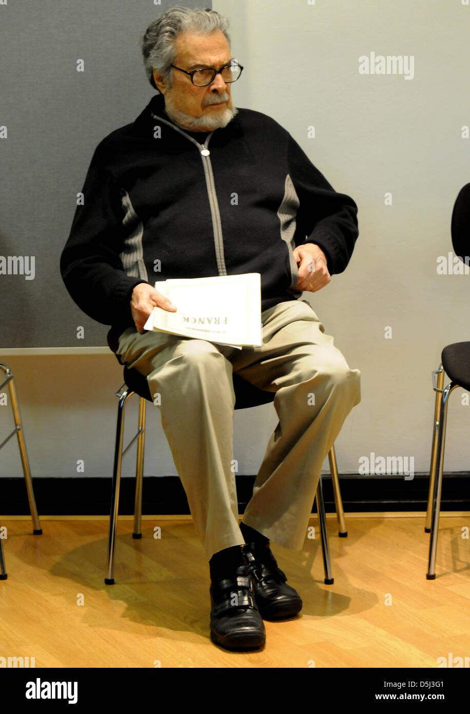 Der Amerikanische Pianist Leon Fleisher Posiert bin 13.11.2012 in Düsseldorf (Nordrhein-Westfalen) wo er Einen Stockbild