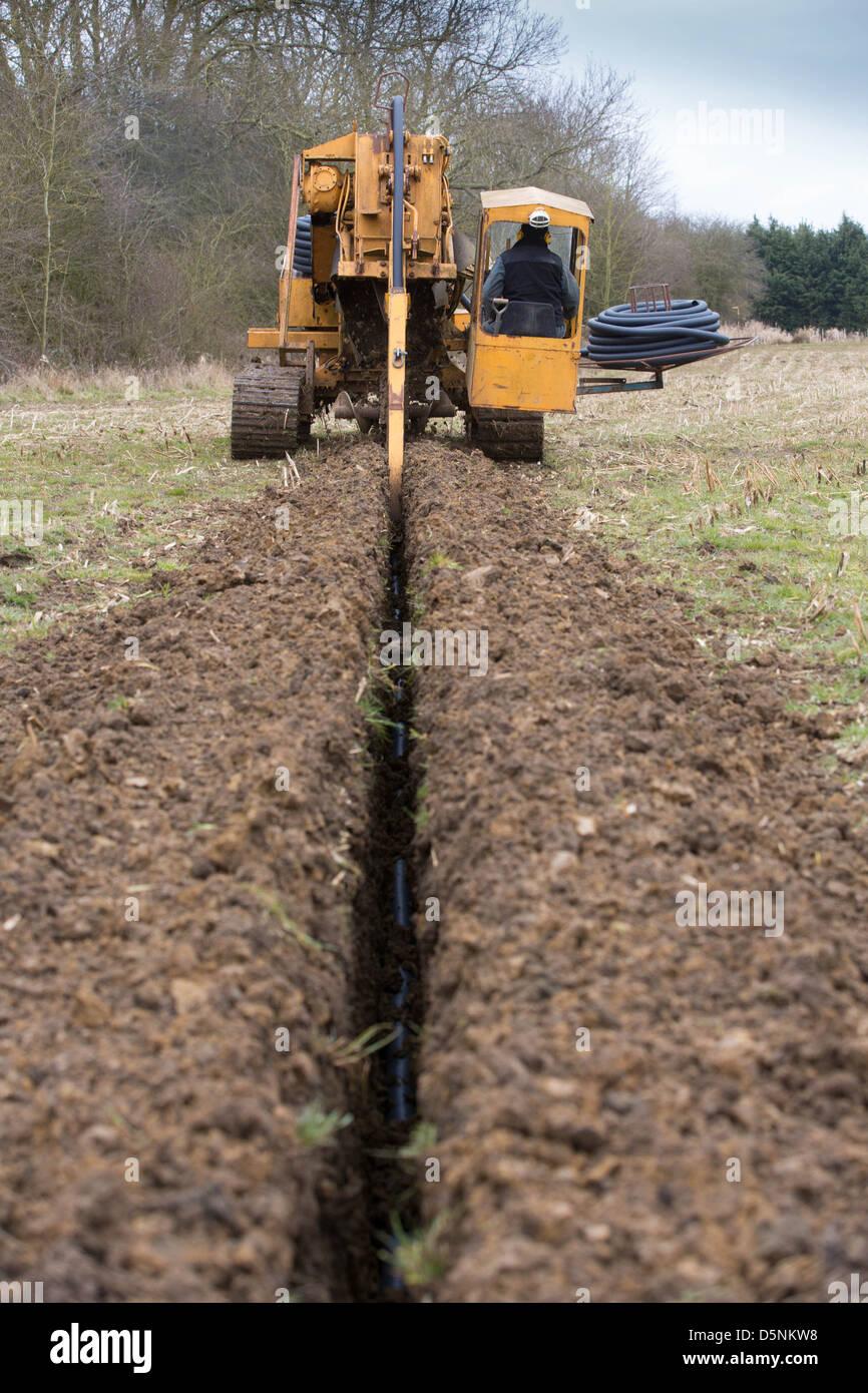Ganz und zu Extrem Eine Fremdfirma, die Verlegung der Drainage Rohr Bild Tim @ER_03