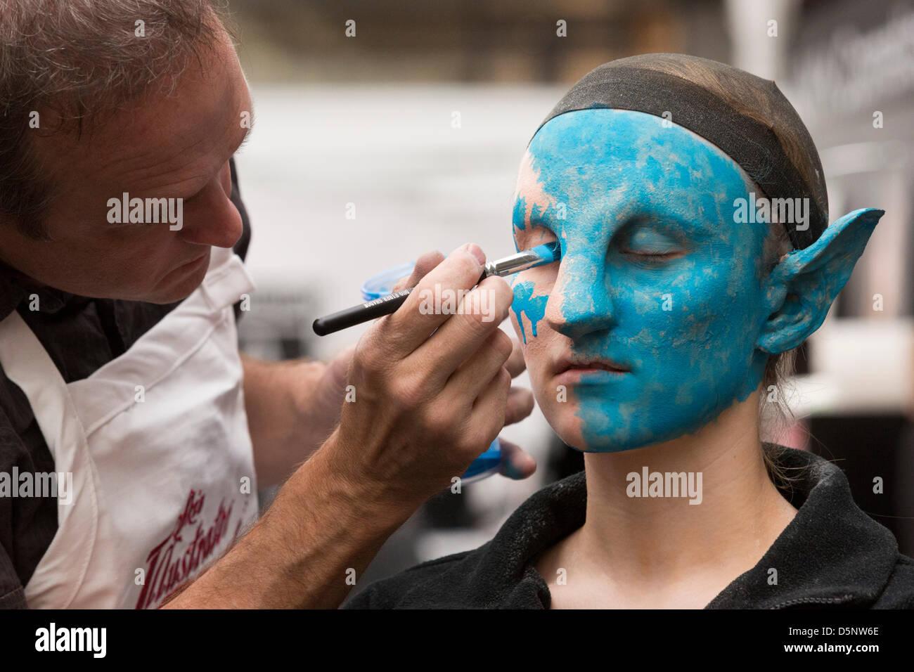 London, UK. 6. April 2013. UMA 2013, United Make-up Artists Expo findet im Business Design Centre in Islington, Stockbild