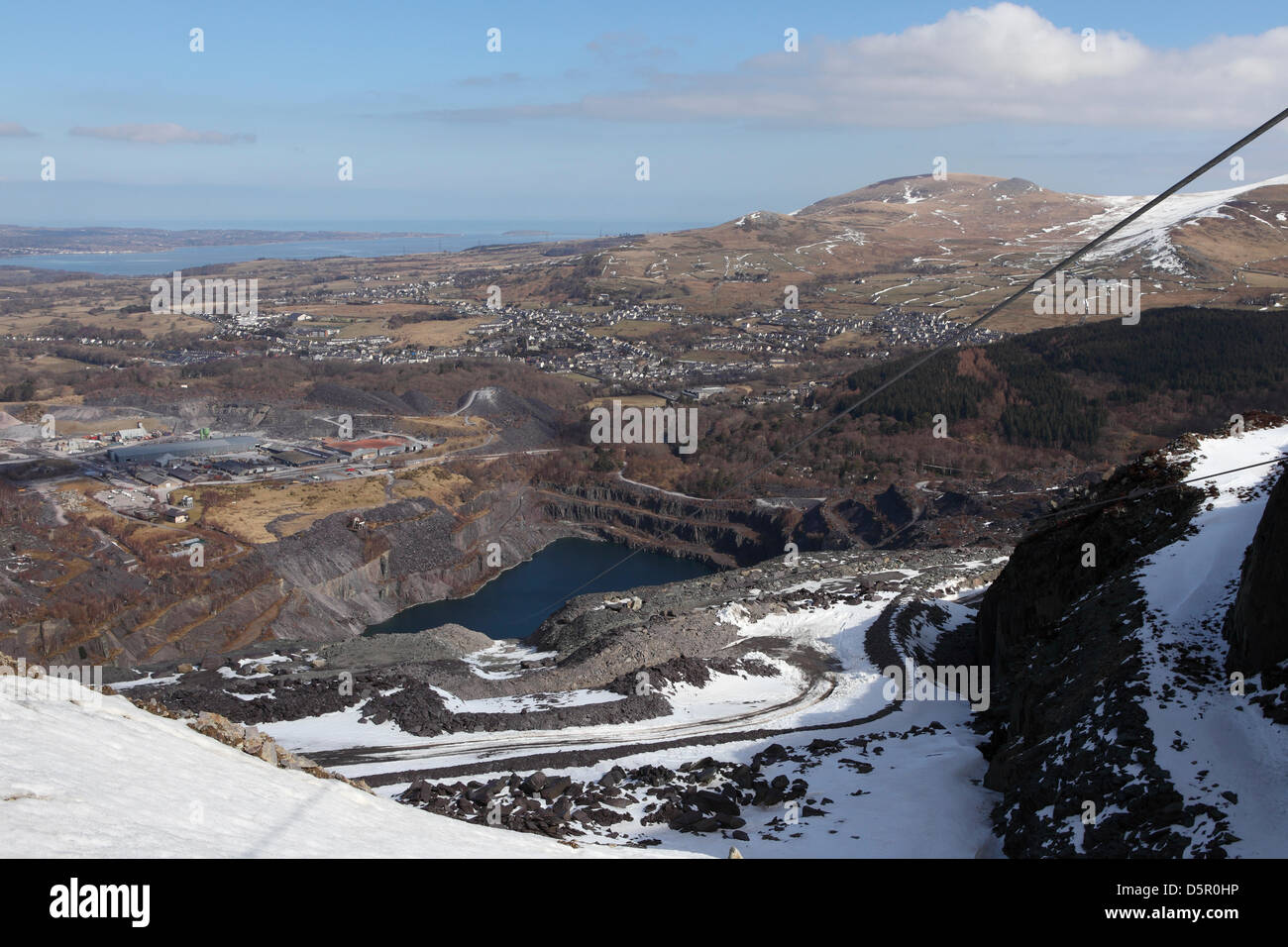 Zip World Penrhyn Quarry Bethesda Stockfotos & Zip World Penrhyn ...