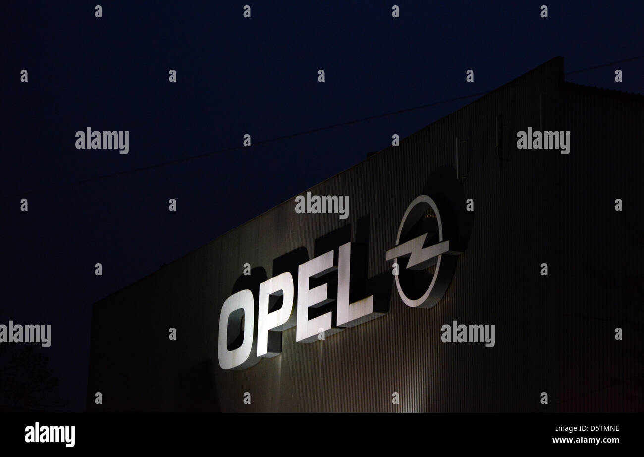 Opel Factory Stockfotos & Opel Factory Bilder - Alamy