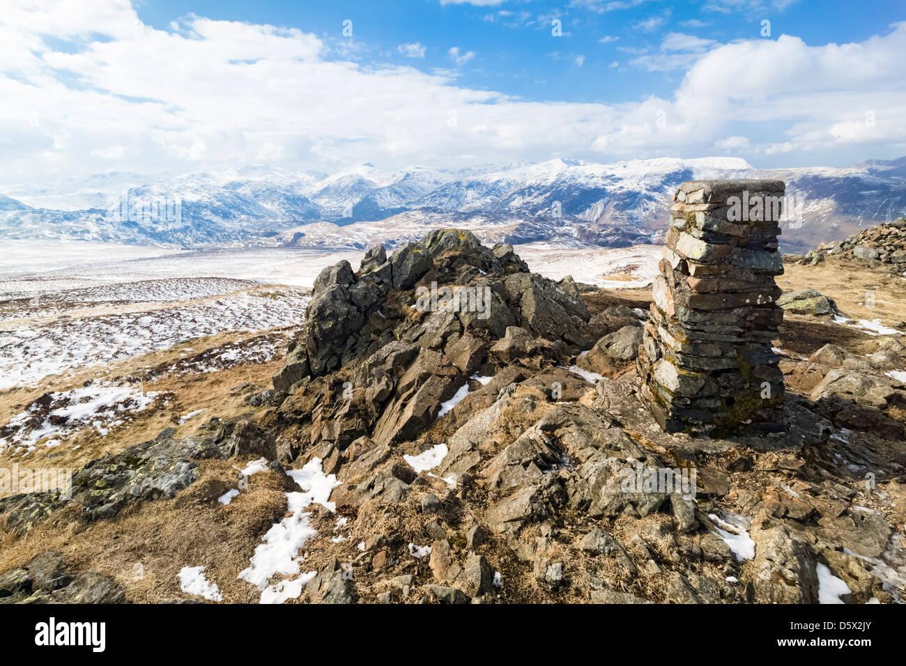 Der Gipfel Cairn der Hochsitz im Lake District in Cumbria Stockfoto