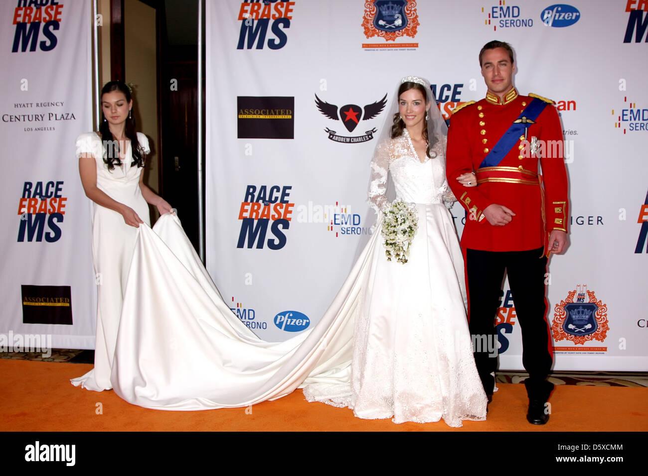 Ungewöhnlich Königliche Brautjunferkleider Zeitgenössisch ...