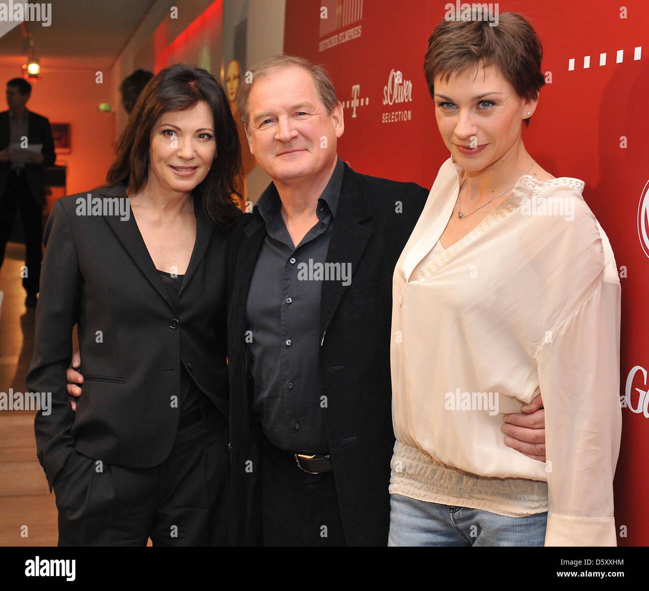 Iris Berben, Burghart Klaußner, Christiane Paul bei einem Fototermin für die Deustcher Filmpreis an Deutsche Stockbild
