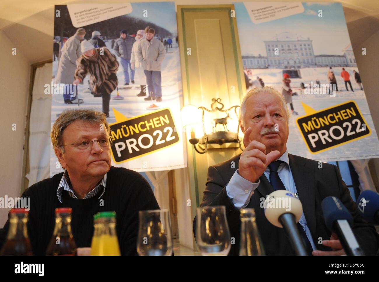 Hans-Ulrich Hesse, München Kreisvorsitzender der Bayerische Staat Sports Association (L-R) und München Stockbild