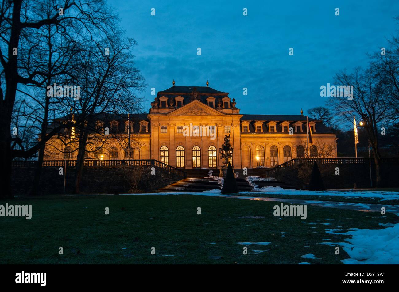 Orangerie Und Floravase in der Blauen Stunde Im Winter, Fulda, Hessen Deutschland Stockbild