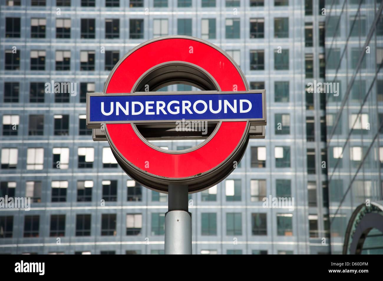 Londoner U-Bahn Zeichen, UK Stockbild