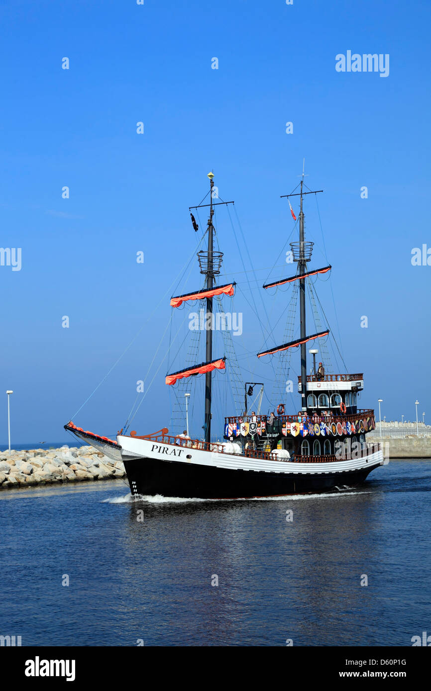 Fabulous Kolobrzeg (Kolberg), Kreuzfahrt mit Piraten Schiff, Ostsee ET66