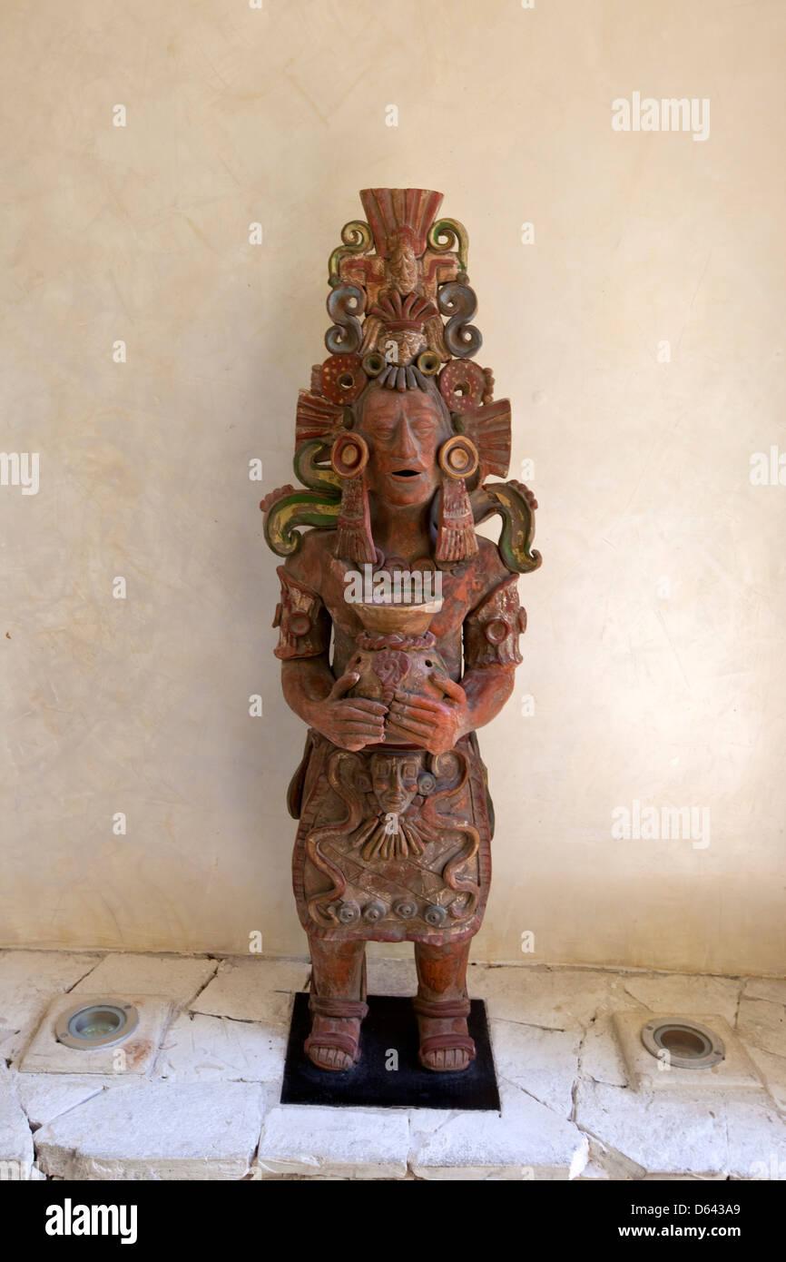 Nachbau Einer Maya Keramik Figur Dekoration Moderne Wohnung