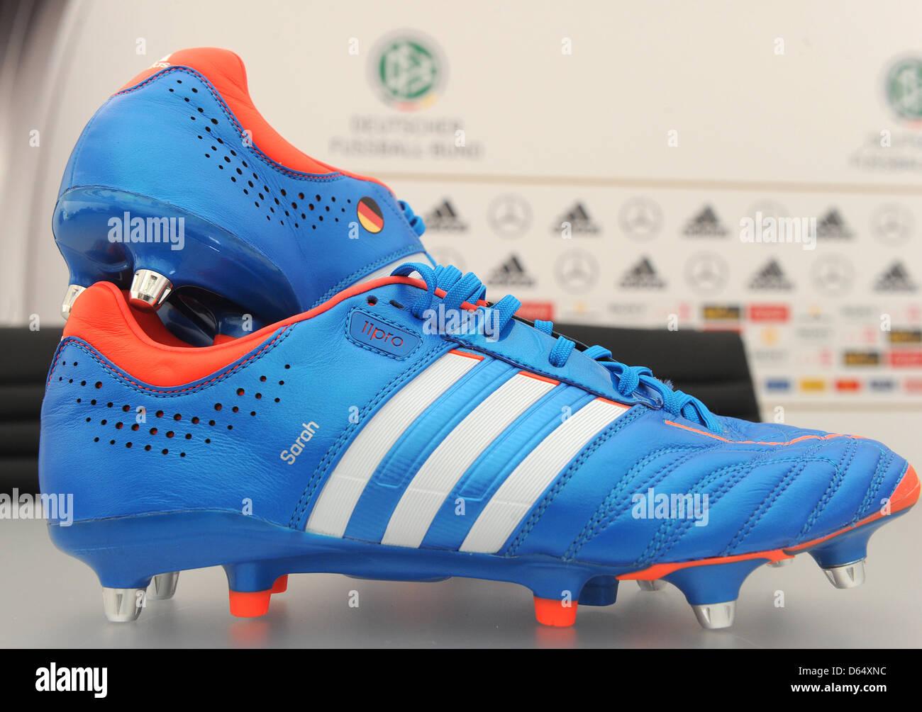 Bastian Schweinsteigers Shoes Stand On Stockfotos & Bastian ...