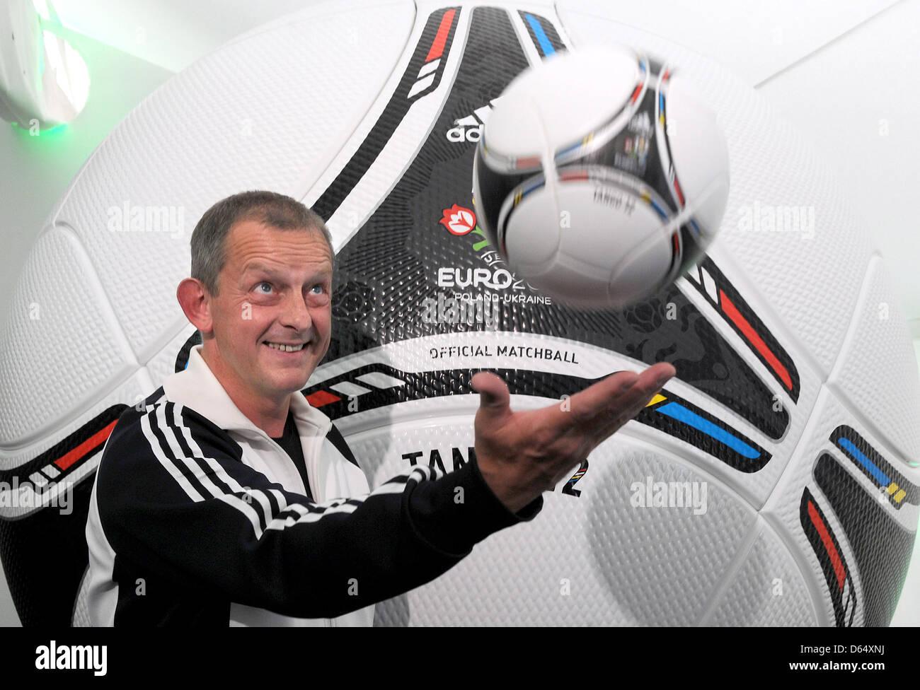 Klaus Rolshoven Inovation Designer Adidas Stockfotos & Klaus ...