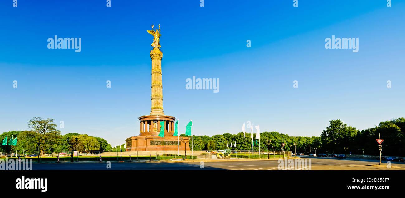 Panorama der Landschaft mit der Siegessäule in Berlin, Deutschland Stockbild