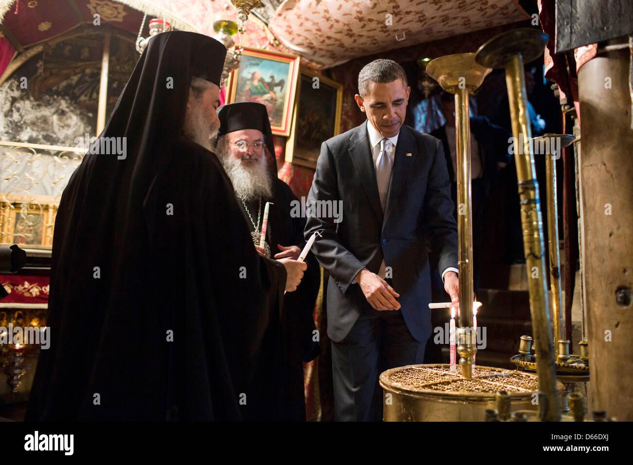 priests in church nativity bethlehem stockfotos priests. Black Bedroom Furniture Sets. Home Design Ideas