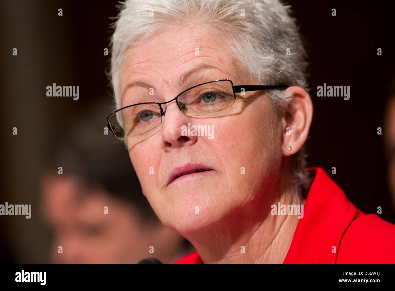 Gina McCarthy während ihrer Anhörung der Environmental Protection Agency (EPA) zu führen. Stockbild