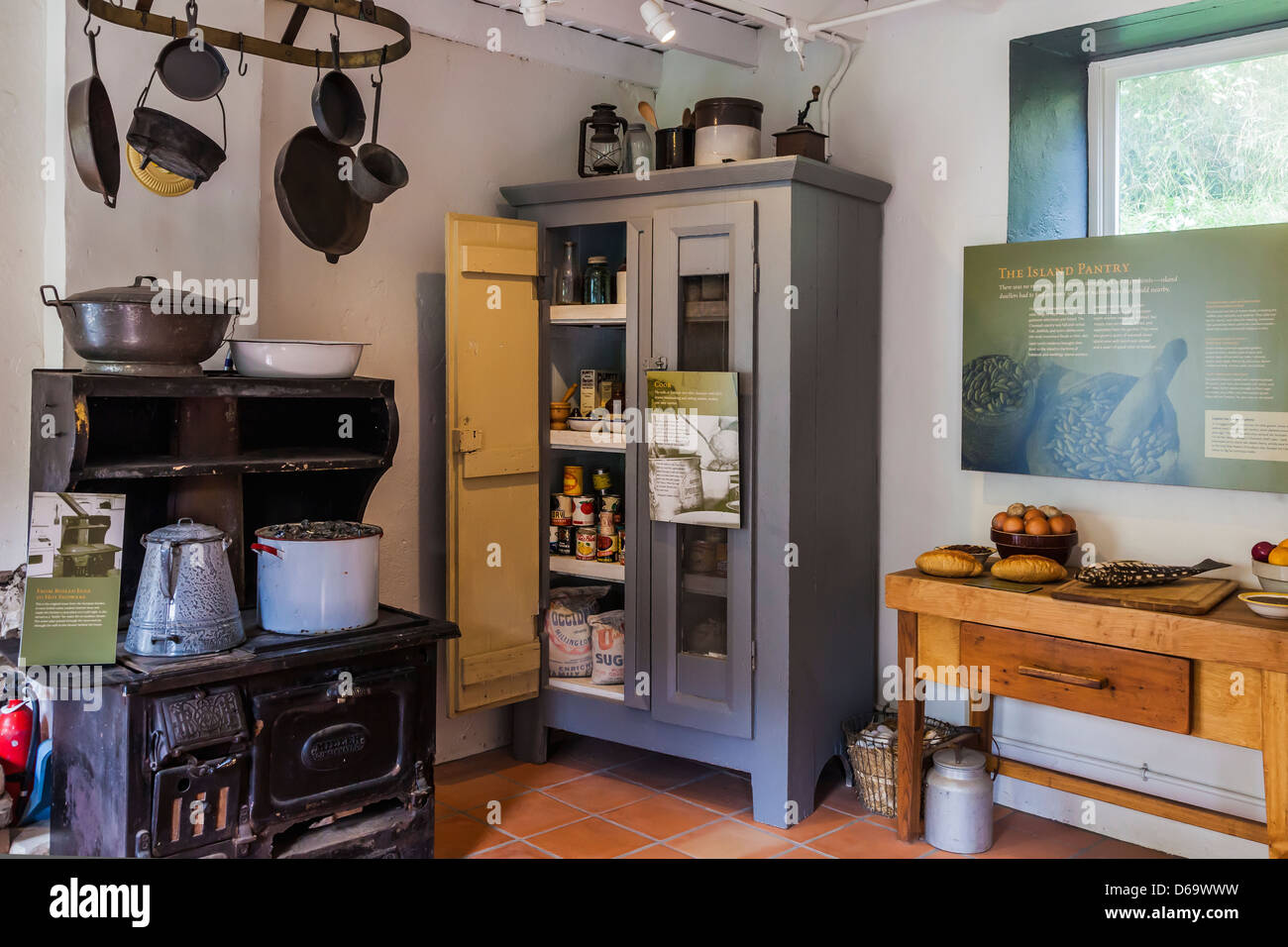 Center Island Kitchen Stockfotos & Center Island Kitchen Bilder - Alamy