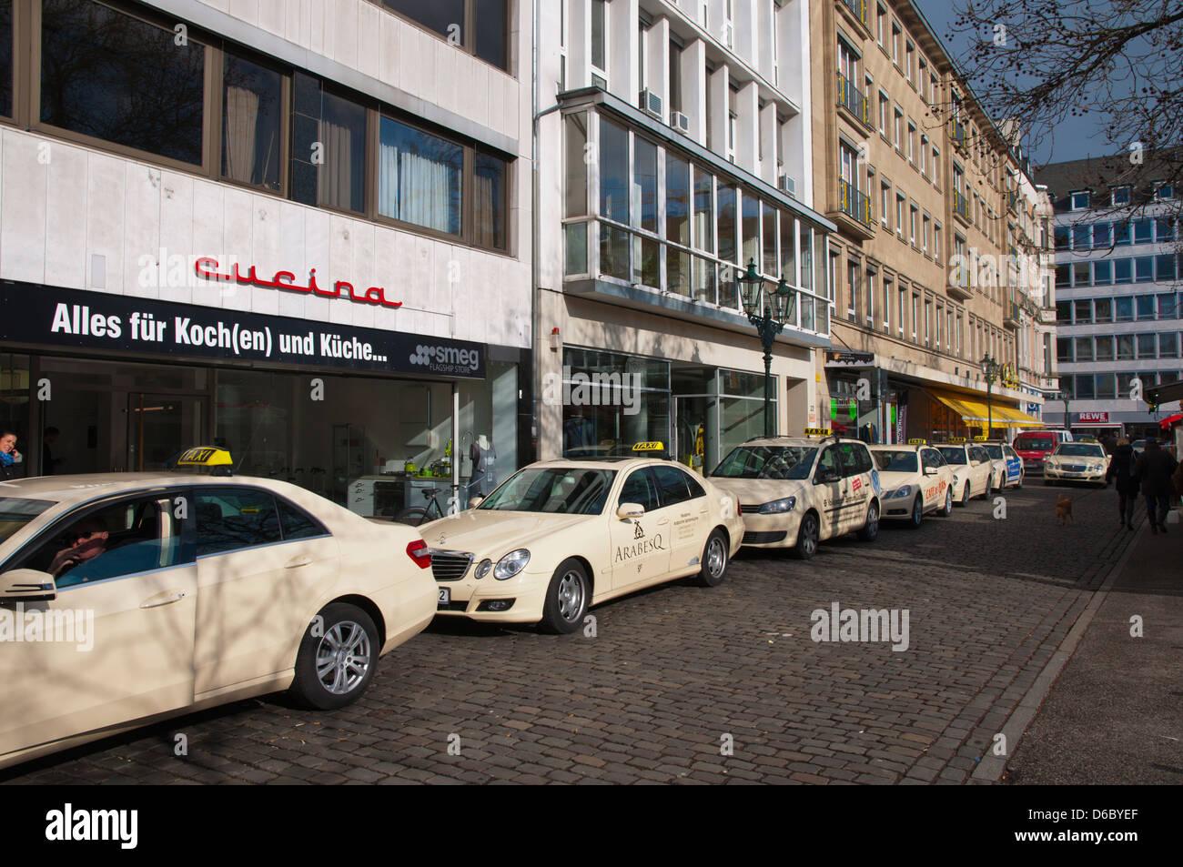 german taxi stand stockfotos german taxi stand bilder alamy. Black Bedroom Furniture Sets. Home Design Ideas