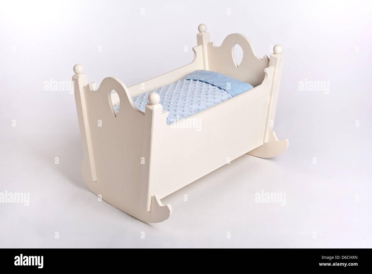 Babywiege bett stubenwagen schaukelwiege babybett eur