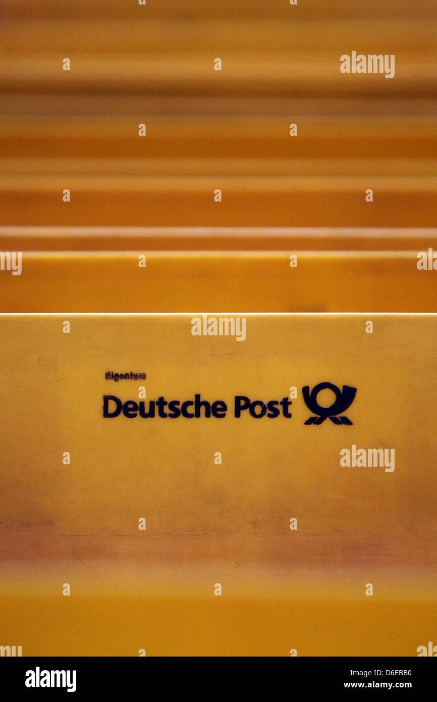 Gelbe Post Kisten Sind Im Mail Center Der Deutschen Post In Mainz