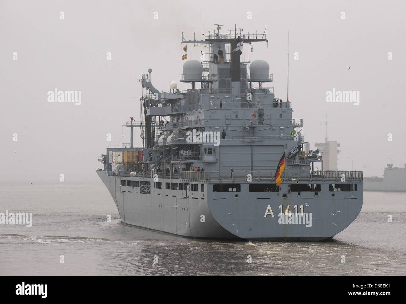 wilhelmshaven naval stockfotos wilhelmshaven naval bilder seite 2 alamy. Black Bedroom Furniture Sets. Home Design Ideas