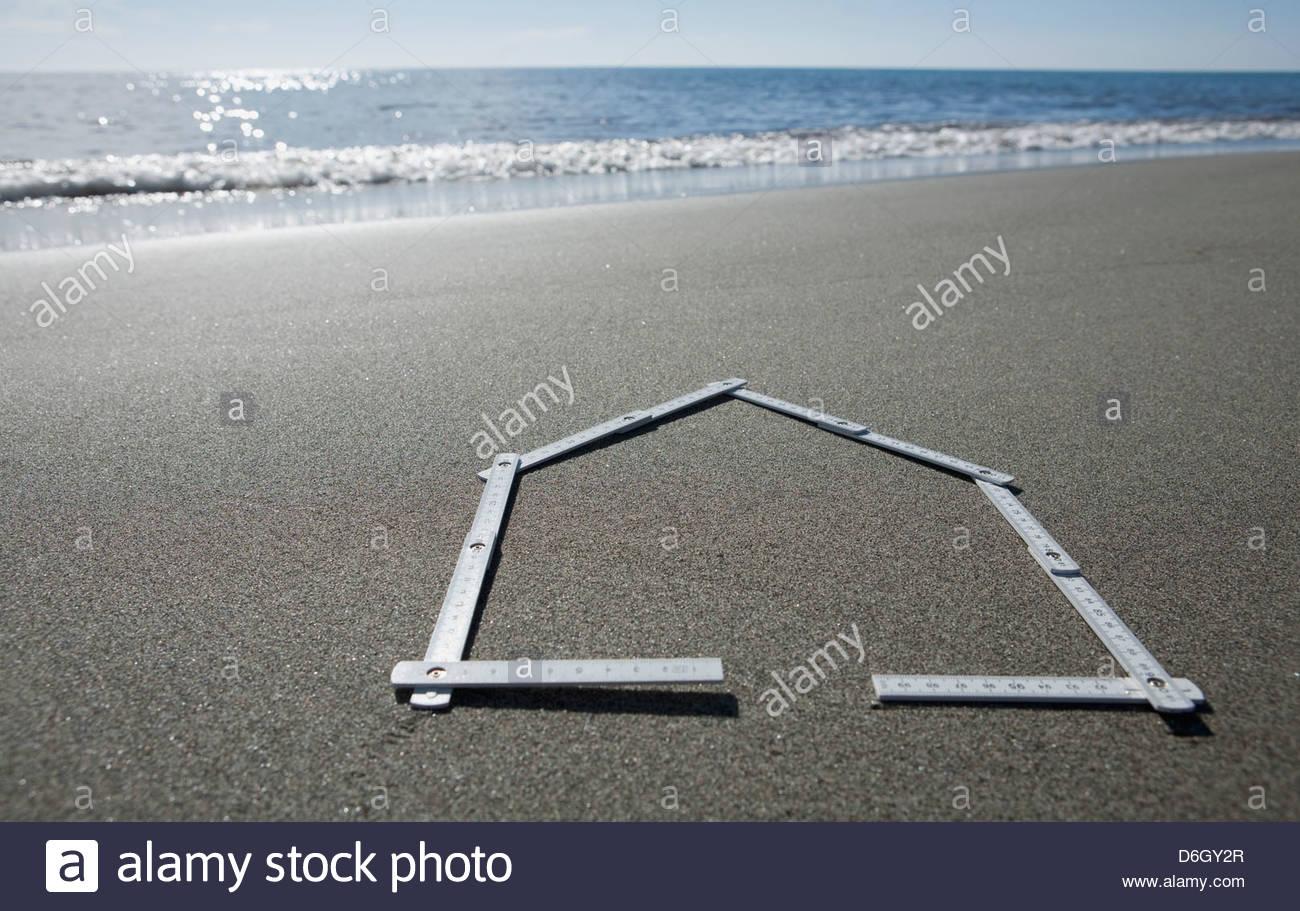 Haus Form sandigen Strand Prunete Korsika Stockbild