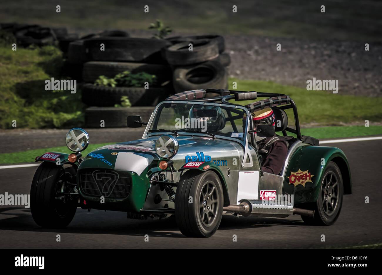 Caterham Motorsport bei Cadwell Park Rennstrecke Stockbild