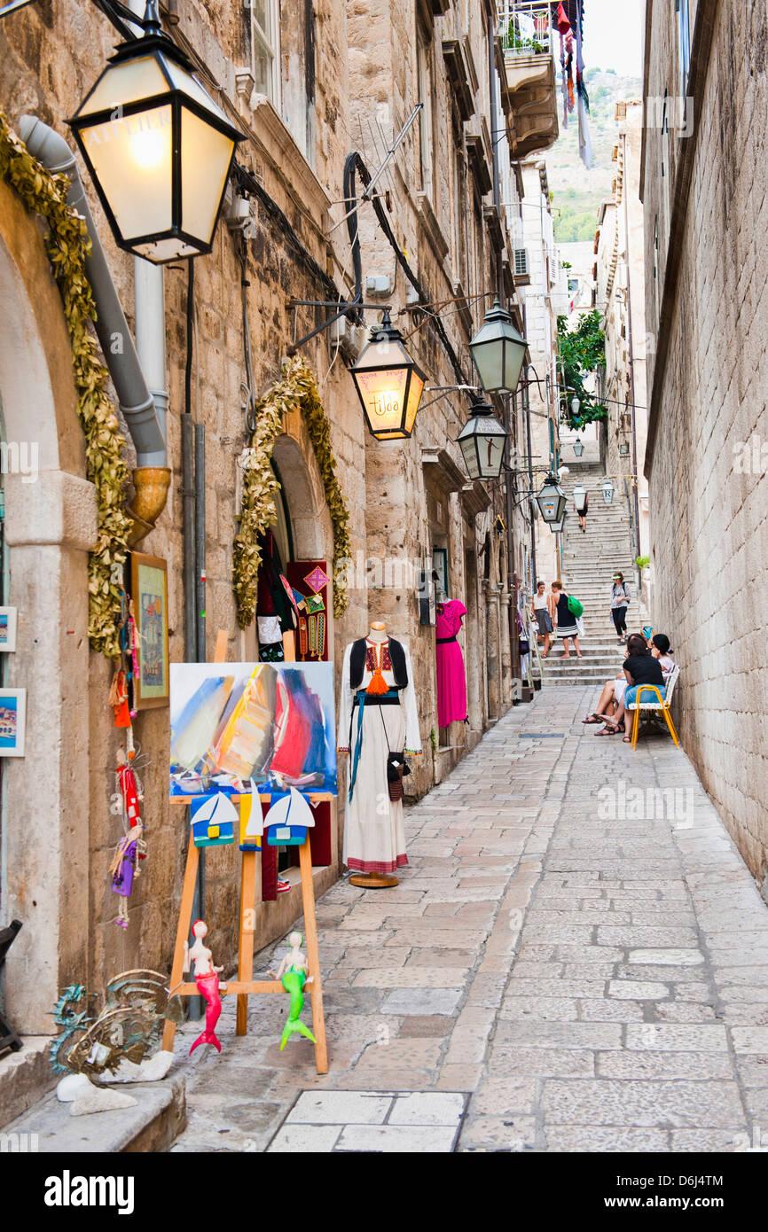 Die Altstadt von Dubrovnik, eines engen Seitenstraßen, Dubrovnik, Kroatien, Europa Stockbild