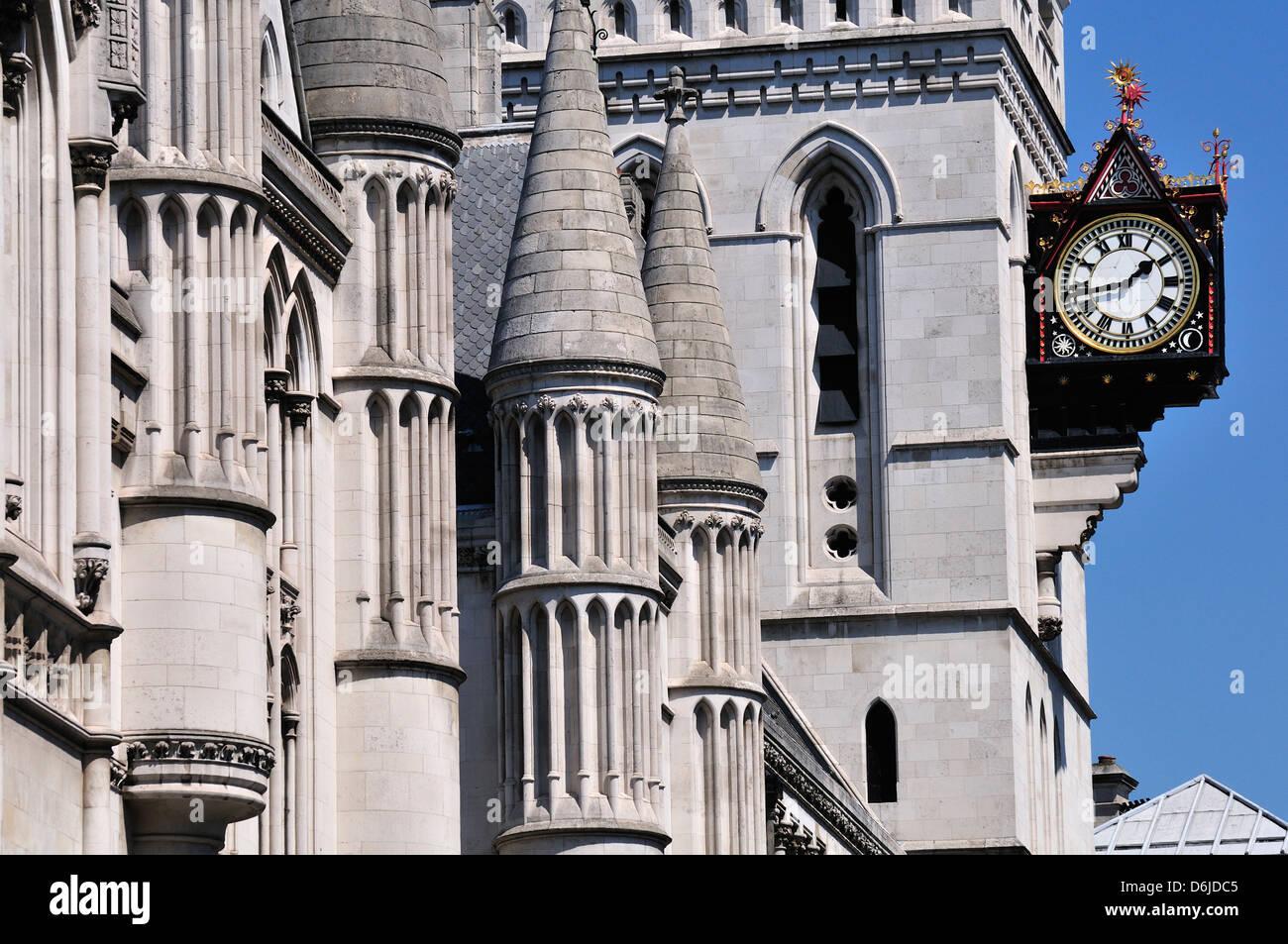 London, England, Vereinigtes Königreich. Königliche Gerichtshöfe in der Fleet Street Stockfoto
