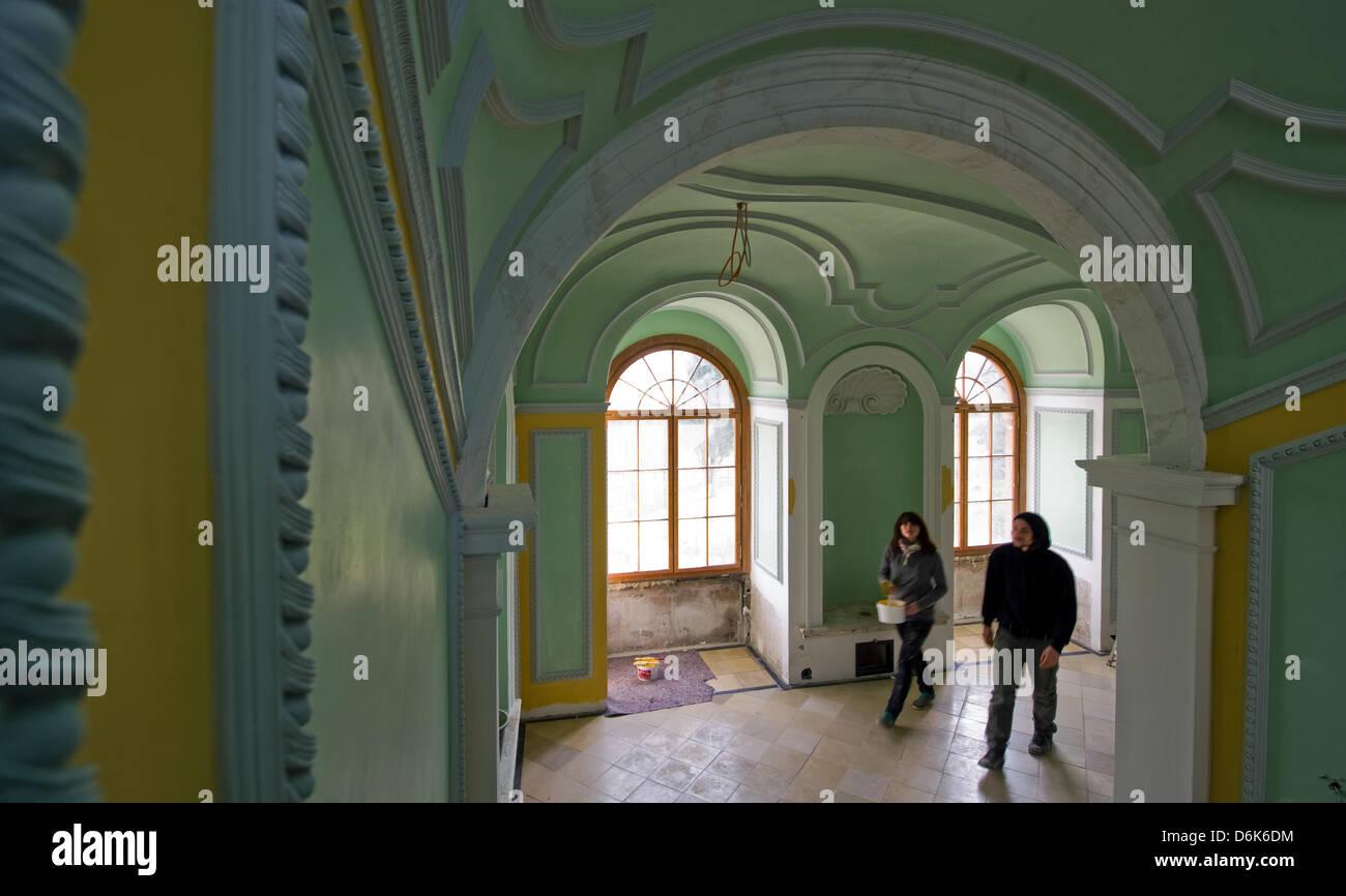 Restauratoren Arbeiten An Den Herzoglichen Treppe Am Schloss