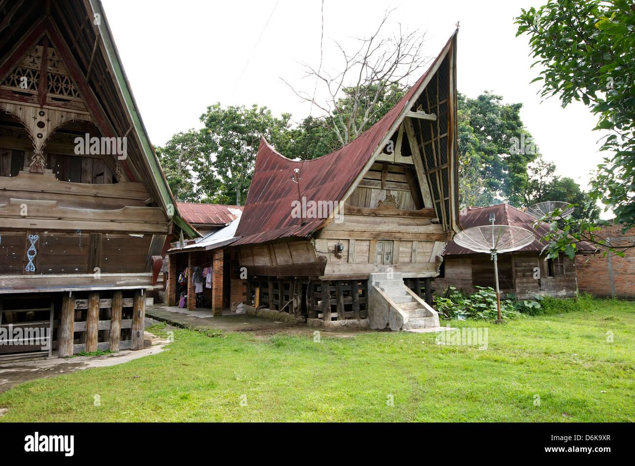 Toba-Batak Stammes ländlichen Dorfhäuser auf Samosir Island im Lake Toba, Sumatra, Indonesien, Südostasien, Stockbild